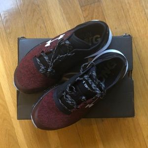 Under armour boys sneakers charged bandit